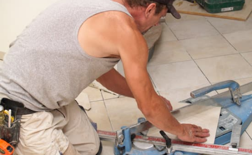 how to cur porcelain tiles